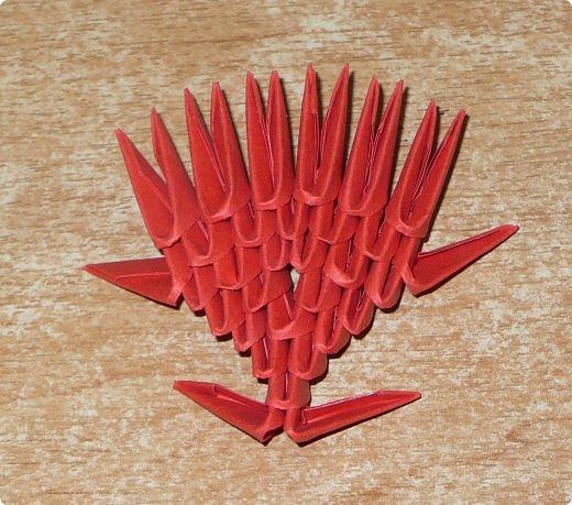 Для одного сердца понадобится 37 красных (или синих) модулей 1/32  Для подставки 26 красных модулей и 30 синих (или белых) модулей 1/32 фото 11