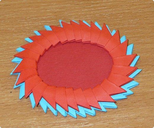 Для одного сердца понадобится 37 красных (или синих) модулей 1/32  Для подставки 26 красных модулей и 30 синих (или белых) модулей 1/32 фото 19