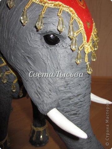 Здравствуйте, все! Я к вам в гости со слоном. Очень мне захотелось, чтобы в доме стоял слоник в красивой попоне. Помечтала, представила, даже заготовки наделала... а слон уже появился в СМ у Ольги http://stranamasterov.ru/node/548414. Я опечалилась и забыла про своего слона. Спустя какое-то время попались мне на глаза эти самые заготовки. Ну не пропадать же моим стараниям! Решила доделать и подарить сестре! фото 1