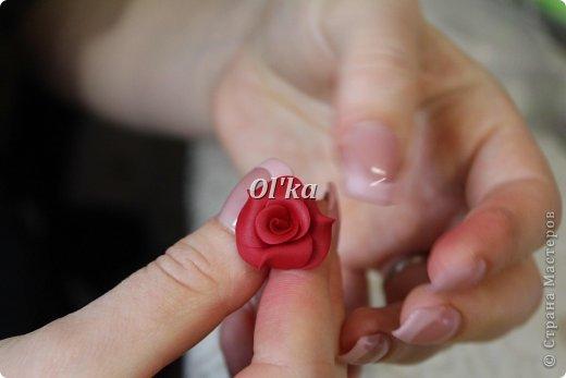 Здравствуйте, Мастерицы!!! Сегодня я хочу поделиться с Вами тем, как я делаю свои розочки из пластики. На сходство с живой розой не претендую. :))) Начнем??? фото 12