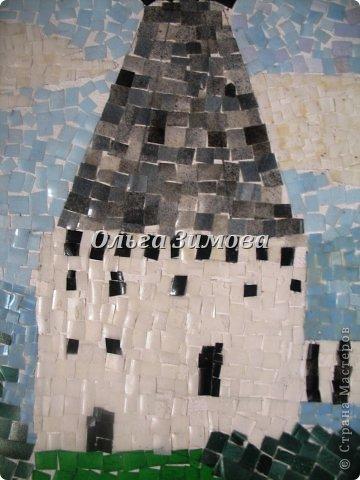 """Это наши работы на конкурс """" Золотой ключик""""(размер 30 на 45) Мозаика из пластмассовых кусочков разного цвета. Очень кропотливая и долгая работа. Тематика местная, астраханская. Резали и пластиковые бутылки и бутылочки из под шампуней, бальзамов  и т п. фото 8"""