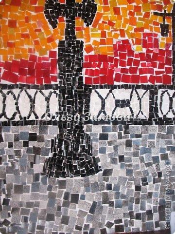 """Это наши работы на конкурс """" Золотой ключик""""(размер 30 на 45) Мозаика из пластмассовых кусочков разного цвета. Очень кропотливая и долгая работа. Тематика местная, астраханская. Резали и пластиковые бутылки и бутылочки из под шампуней, бальзамов  и т п. фото 9"""