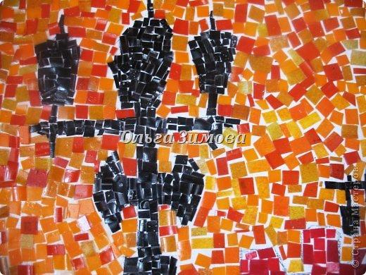 """Это наши работы на конкурс """" Золотой ключик""""(размер 30 на 45) Мозаика из пластмассовых кусочков разного цвета. Очень кропотливая и долгая работа. Тематика местная, астраханская. Резали и пластиковые бутылки и бутылочки из под шампуней, бальзамов  и т п. фото 10"""