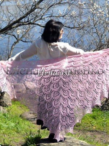 Весна пришла цветущая. И я непременно радую себя красивой шалью в розовых тонах. Моя новая шаль Гейл - Gail shawl  by Jane Araújo. Связала из Gazzal EXCLUSIVE - 100 г. Спицы №3. Бисер использовала чешский. фото 1
