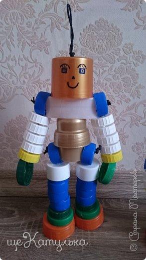 Наши роботы из крышек пластиковых бутылок. фото 6