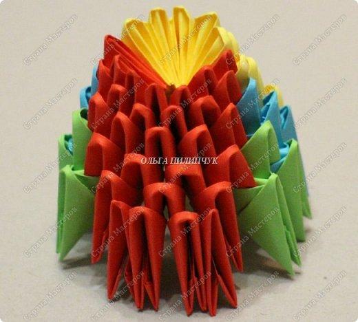 Для сборки петуха необходимо всего 359 модулей  (1/32) 150 - модулей красного  цвета 101 -  модуль жёлтого цвета    51 -  модуль зелёного цвета    40 -  модулей синего цвета    17 -  модулей оранжевого цвета   фото 7