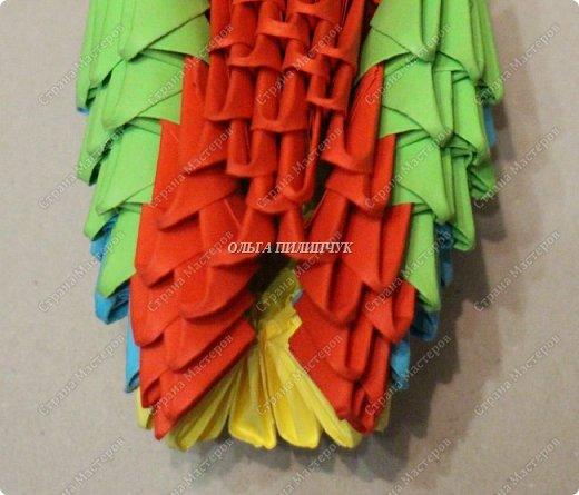 Для сборки петуха необходимо всего 359 модулей  (1/32) 150 - модулей красного  цвета 101 -  модуль жёлтого цвета    51 -  модуль зелёного цвета    40 -  модулей синего цвета    17 -  модулей оранжевого цвета   фото 24