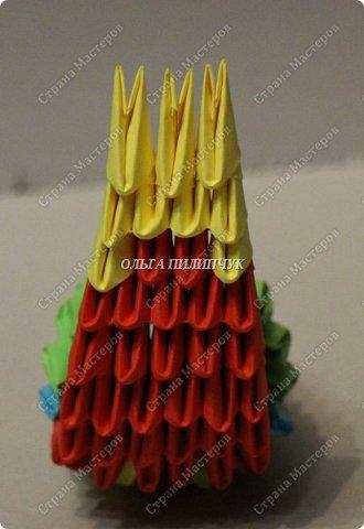 Для сборки петуха необходимо всего 359 модулей  (1/32) 150 - модулей красного  цвета 101 -  модуль жёлтого цвета    51 -  модуль зелёного цвета    40 -  модулей синего цвета    17 -  модулей оранжевого цвета   фото 16