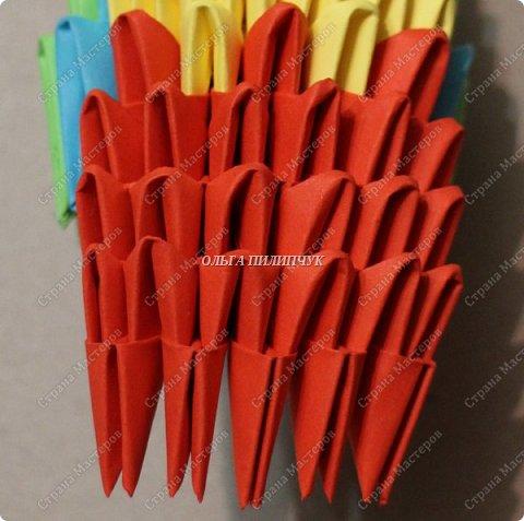 Для сборки петуха необходимо всего 359 модулей  (1/32) 150 - модулей красного  цвета 101 -  модуль жёлтого цвета    51 -  модуль зелёного цвета    40 -  модулей синего цвета    17 -  модулей оранжевого цвета   фото 14